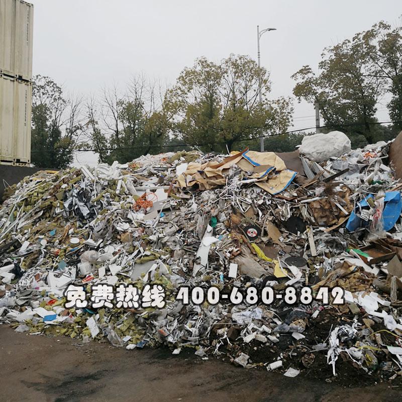 活動房廠區垃圾打包